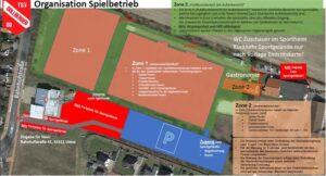 Luftbild von den Sportanlagen mit farbigen Markierungen für unterschiedliche Bereiche. Parkfläche ich hinter dem Feuerwehrhaus, von dort auch Zugang zum Sportplatz. Zugang über Schulgelände ist nicht möglich.